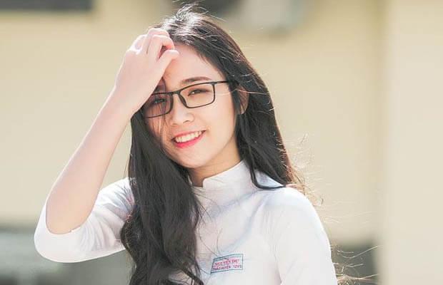 nu sinhuyen 20181115 040141 - Cảm nhận vẻ đẹp nhân vật ông Hai trong truyện ngắn Làng