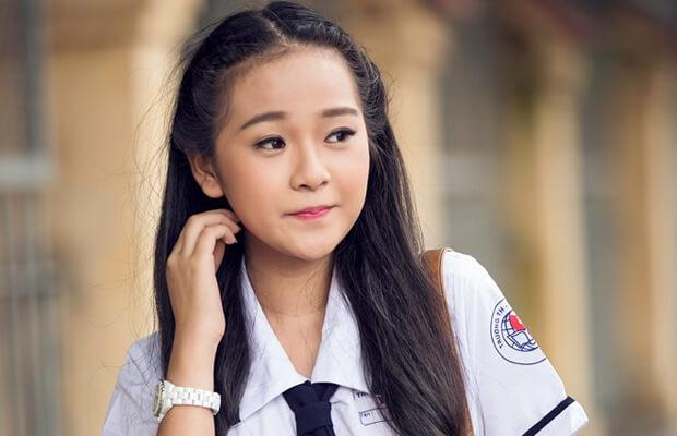 top 10 anh hot girl hoc sinh cap 2 viet 7 - Thuyết minh về Bến Nhà Rồng